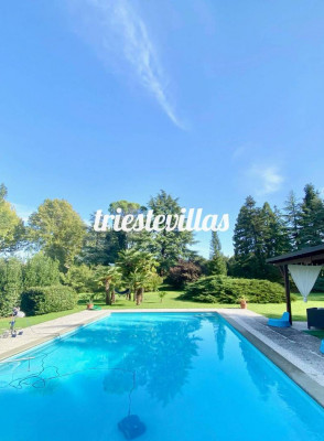 Cervignano - Villa storica con piscina in tenuta 20.000mq